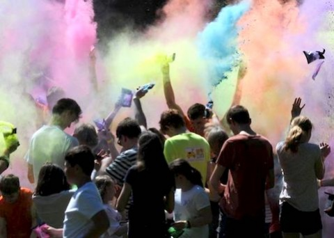 Colour/paint fight!