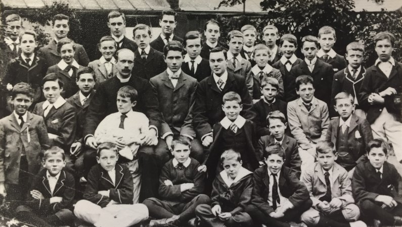 Crouch End Class in the early 1900's
